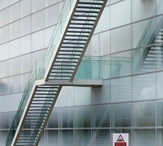Stockley Park, London, United Kingdom, Architect Unknown, STOCKLEY PARK BUSINESS PARK OFFICES HEATHROW LONDON FOSTER AND PARTNERS EXTERNAL STAIR AND FROSTED GLASS : Stock Photo