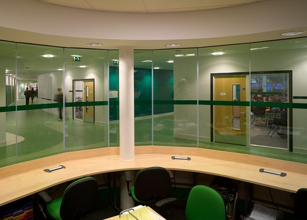 Stock Photo: 1801-47420 Nailsea Community School, Nailsea Bristol, United Kingdom, Aedas Architects Ltd, NAILSEA COMMUNITY SCHOOL BRISTOL AEDAS 2009 VIEW OF SCIENCE HALLWAYS FROM TEACHER WORK STATION