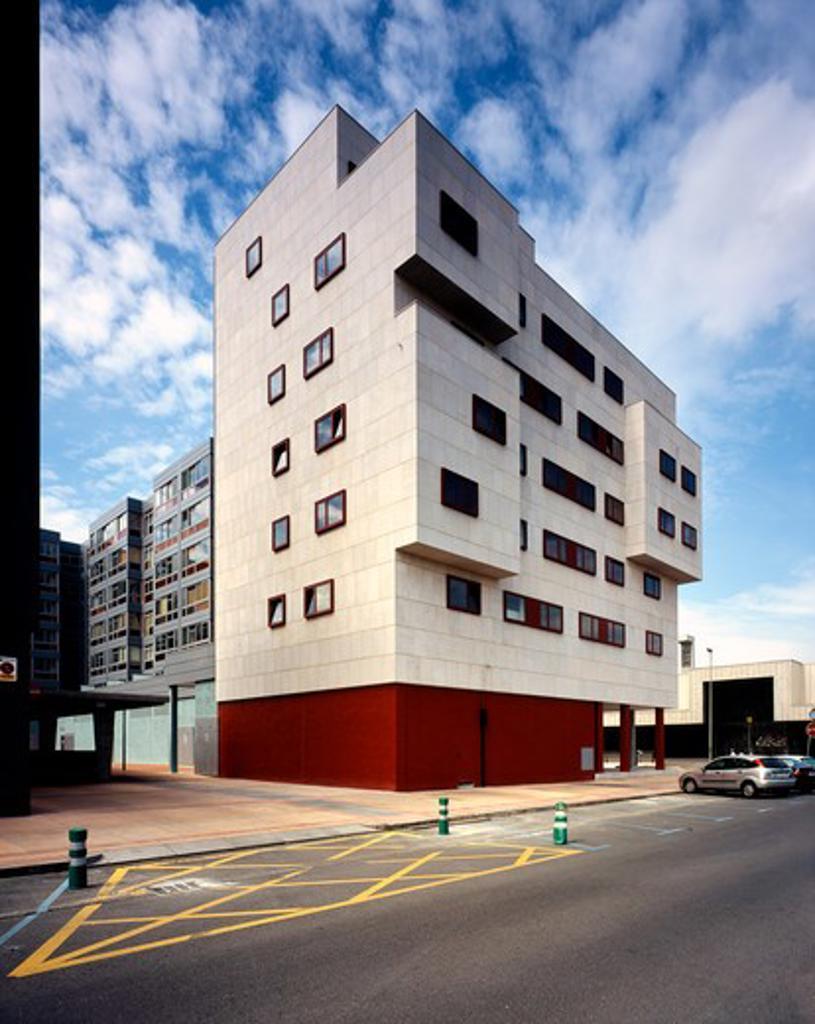 Social Housing (Viviendas Protegidas) in Barakaldo, Barakaldo, Spain, Federico Soriano Asociados, GENERAL EXTERIOR VIEW : Stock Photo