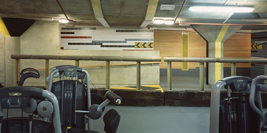 Stock Photo: 1801-5213 GYMBOX HEALTHCLUB, 100 HIGH HOLBORN, LONDON, WC1 BLOOMSBURY, UNITED KINGDOM, VIEW FROM GYM FLOOR TO CHANGING ROOMS, BEN KELLY DESIGN