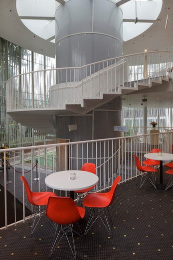 Tivoli Concert Hall  3Xn  Copenhagen Denmark  2005  Interior Of Rotunden With Cafe Tables And Chairs And Spiral Staircase : Stock Photo