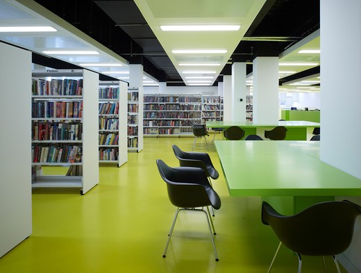 Barking Learning Centre And Apartments Adult Library  Reading Ara  Day : Stock Photo