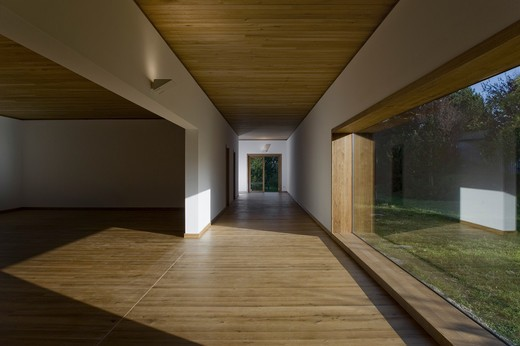 Stock Photo: 1801-54000 Museum Insel Hombroich Alvaro Siza Rudolf Finsterwalder Neuss 2008 Exhibition Space Interior With View Through To Garden