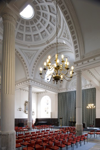 Stock Photo: 1801-55081 City Of London  St. Mary-At-Hill  Sir Christopher Wren  1670-4 Rebuilt By James Savage 1843. The Least Spoiled Interior In The City  A Shallow Dome Is Supported On Four Free-Standing Columns. It Is The Church Of The Billingsgate Fish Merchants. View To East End