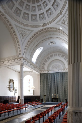 Stock Photo: 1801-55082 City Of London  St. Mary-At-Hill  Sir Christopher Wren  1670-4 Rebuilt By James Savage 1843. The Least Spoiled Interior In The City  A Shallow Dome Is Supported On Four Free-Standing Columns. It Is The Church Of The Billingsgate Fish Merchants. View To East End