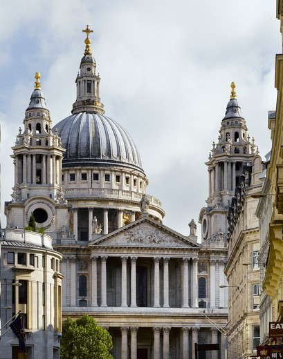 City Of London   St Paul'S Cathedral By Sir Christopher Wren : Stock Photo