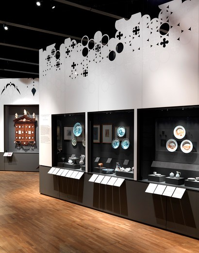 Horace Walpole and Strawberry Hill Exhibition At The VandA London Designed By Block Architecture Uk 2010 - View Of Exhibition Wing B With Display Cases : Stock Photo
