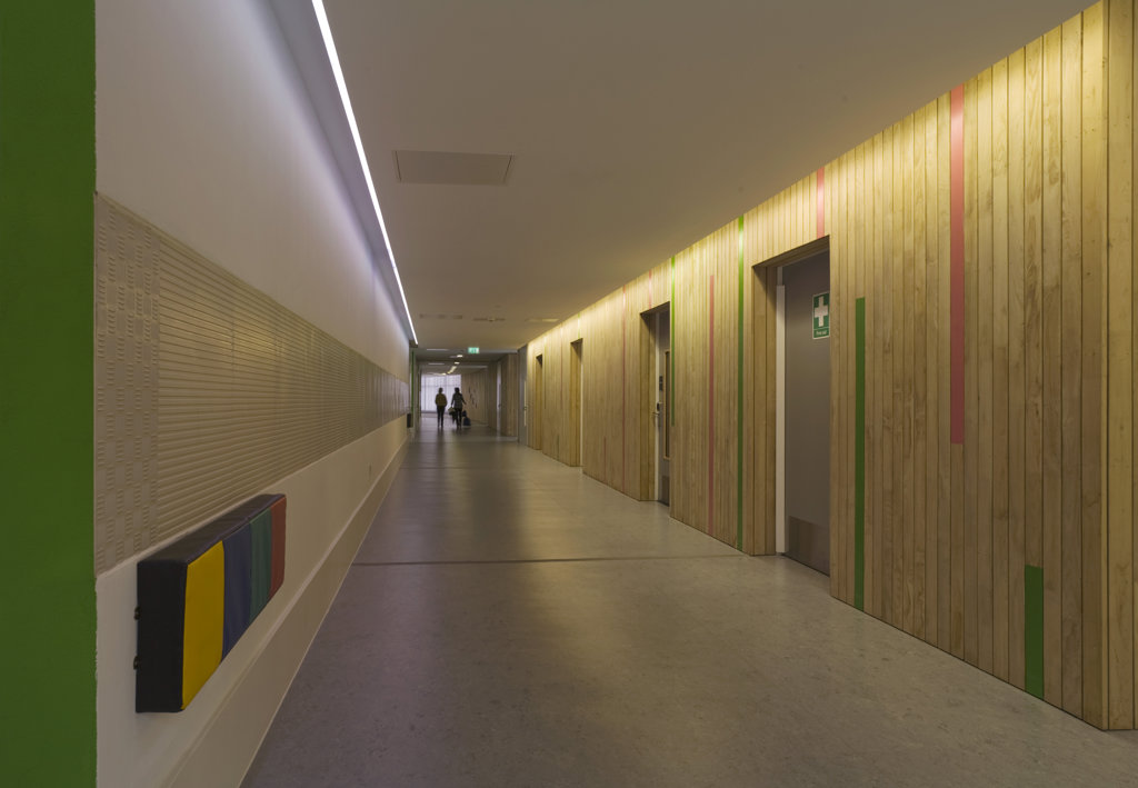 Stock Photo: 1801-59010 Tuke School, Haverstock Associates, London, 2010, Corridor View With Sensory Light Switches