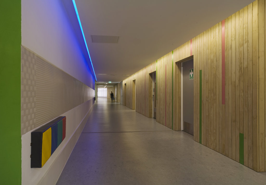 Stock Photo: 1801-59011 Tuke School, Haverstock Associates, London, 2010, Corridor View With Sensory Light Switches