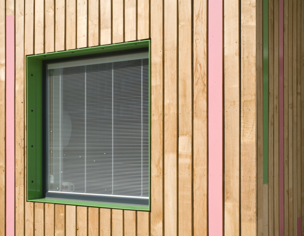 Tuke School, Haverstock Associates, London, 2010, Oblique Detail Of Window Reveal And Colourful, Exterior Timber Cladding : Stock Photo