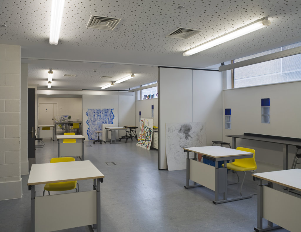 Tuke School, Haverstock Associates, London, 2010, Interior Of Art Room : Stock Photo