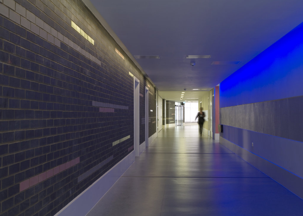 Stock Photo: 1801-59047 Tuke School, Haverstock Associates, London, 2010, View Of Corridor And Blue Sensory Light