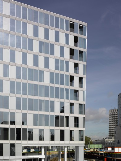 Stock Photo: 1801-66994 1 Merchant Square  Mossessian And Partners  2010  Side View