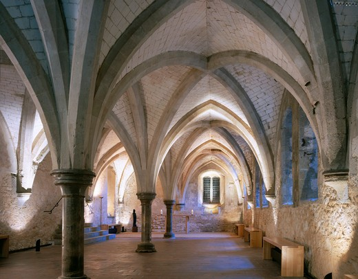 Stock Photo: 1801-69364 Additions To Courtyard And Crypt  Lambeth Palace Crypt: View To Altar