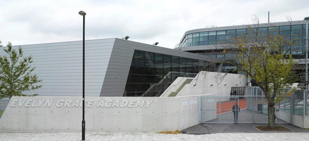 Evelyn Grace Academy  Brixton  Zaha Hadid Architects-Street View : Stock Photo