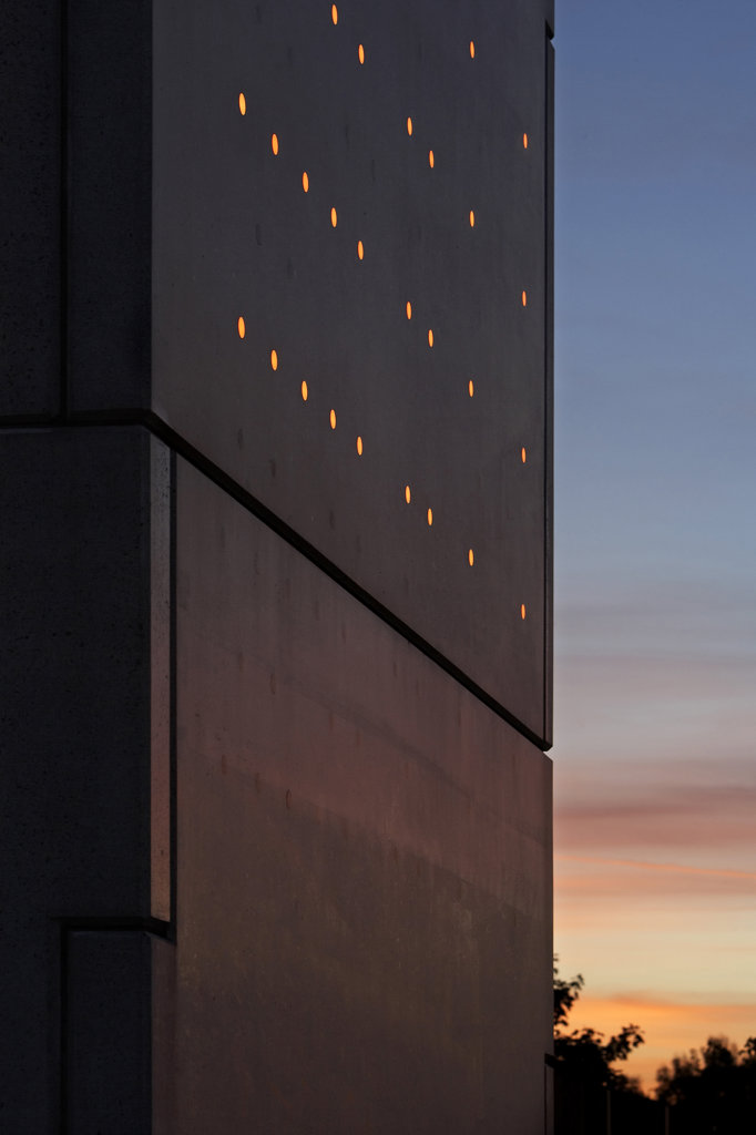 Stock Photo: 1801-7218 PUMP HOUSE, MOVERS UNDERPASS, DAGENHAM A13, LONDON, UNITED KINGDOM, TIGHT DETAIL INTO SUNSET - RED LIGHTS, DE PAOR ARCHITECTS/ LIGHTING CLAIRE BREW
