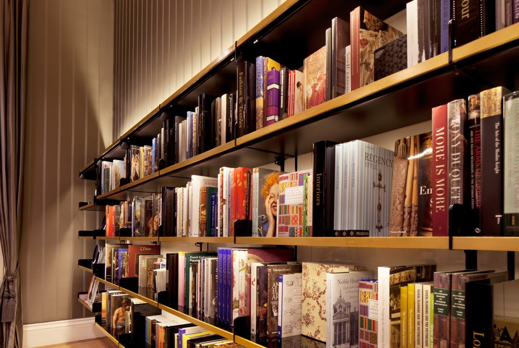Stock Photo: 1801-72339 The Wallace Collection, London, United Kingdom. Architect Softroom Ltd, 2010. Book shelves.