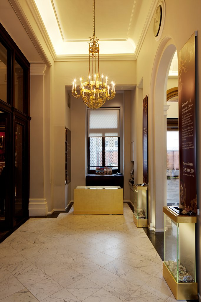 The Wallace Collection, London, United Kingdom. Architect Softroom Ltd, 2010. Entrance hall. : Stock Photo
