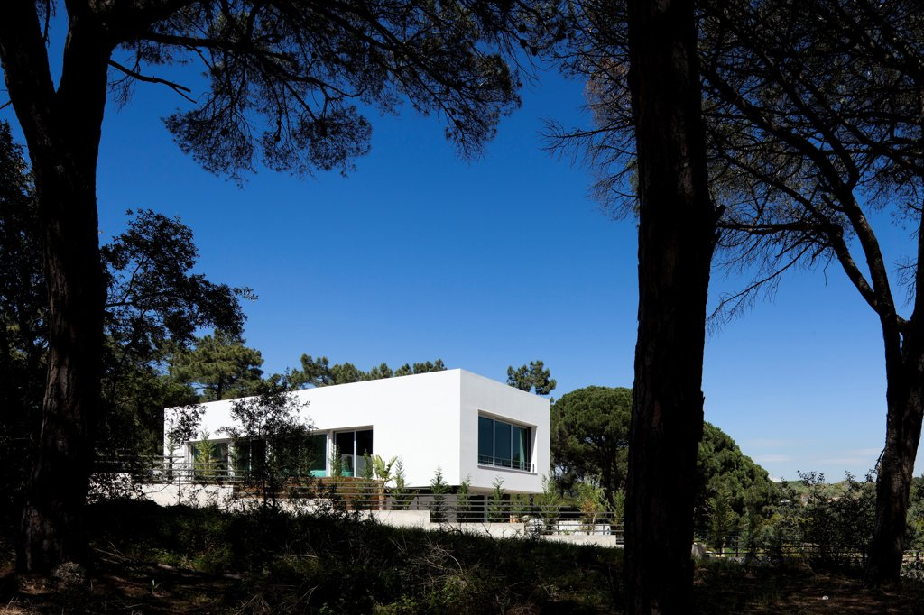 Stock Photo: 1801-72670 Godiva House, Estoril, Portugal. Architect Empty Space Arquitectos, 2012. General outside view from outside.