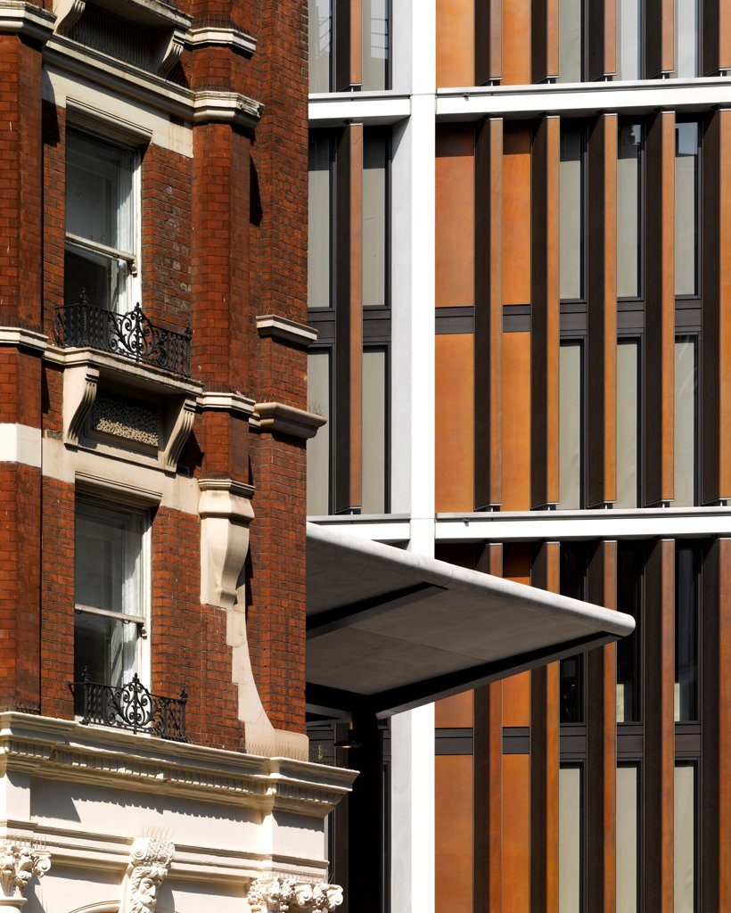 Stock Photo: 1801-74129 One Hyde Park, London, United Kingdom. Architect: Rogers Stirk Harbour + Partners, 2011. Detail.
