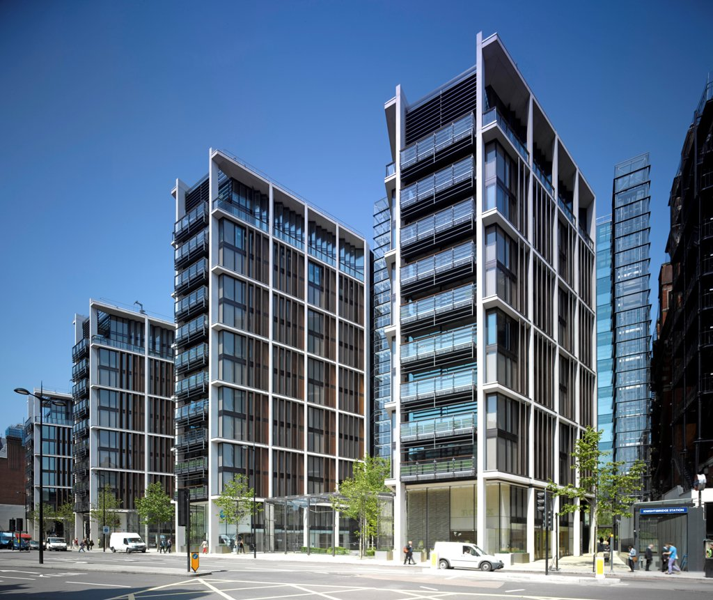 One Hyde Park, London, United Kingdom. Architect: Rogers Stirk Harbour + Partners, 2011. Overall exterior view from Knightsbridge side. : Stock Photo