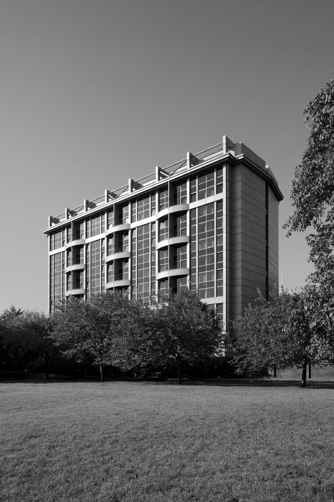 Stock Photo: 1801-74493 Royal Garden Hotel, London, United Kingdom. Architect: Richard Seifert, 1965. Oblique view of the east side.