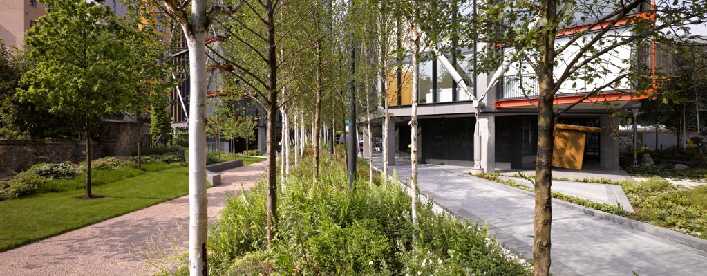 Stock Photo: 1801-74813 Neo Bankside, London, United Kingdom. Architect: Rogers Stirk Harbour + Partners, 2011. Panoramic view of landscaping to the rear.