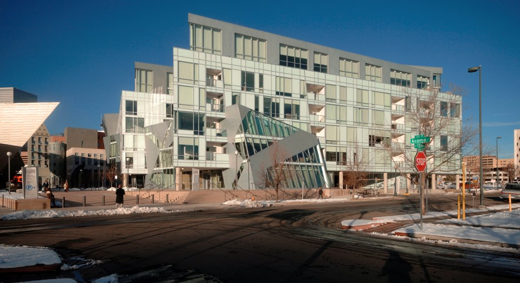 Stock Photo: 1801-75099 Denver Art Museum Residences, Denver, United States. Architect: Daniel Libeskind and Davis Partnership Architects, 2006. Side view.