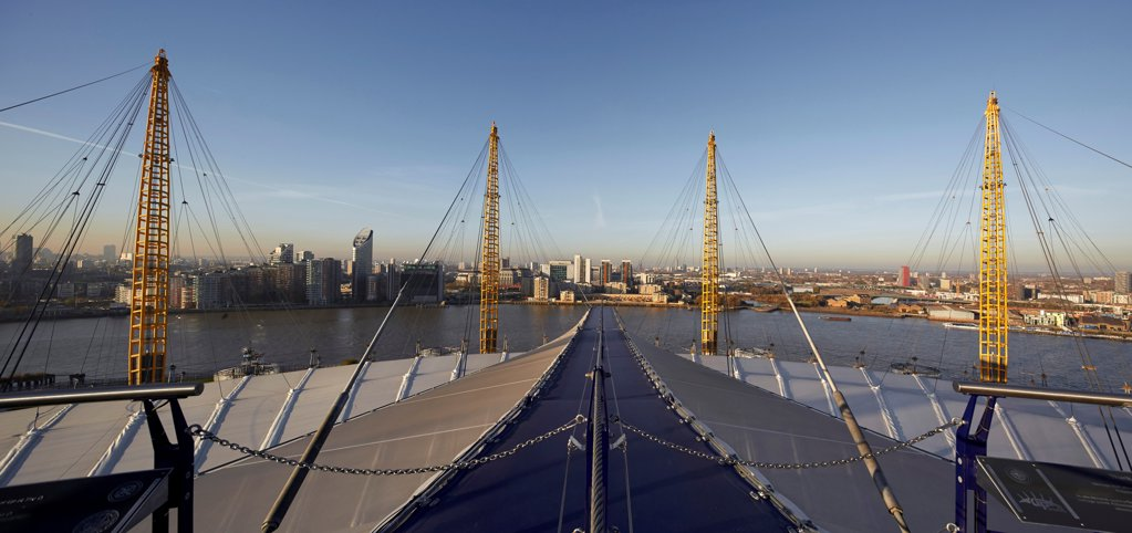 'Up at the O2'- High level walkway over the Millenium Dome, London, United Kingdom. Architect: Rogers Stirk Harbour + Partners, 2012. Panoramic view from viewing platform. : Stock Photo