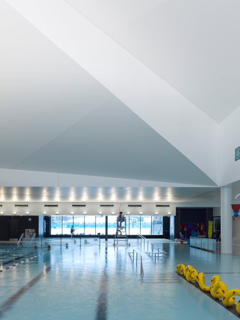 Stock Photo: 1801-77300 Centre Aquatique, St Hyacinthe, St Hyacinthe, Canada. Architect: Architecture, 2012. Leisure pool view.