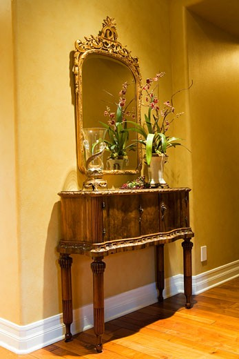 Stock Photo: 1806R-1446 Sideboard and Mirror in Hallway