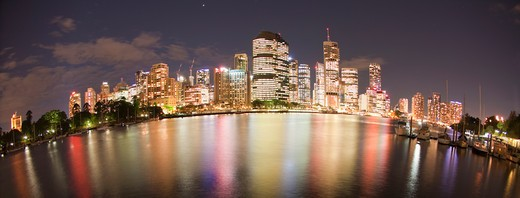 Australia, Brisbane, City lights by night : Stock Photo