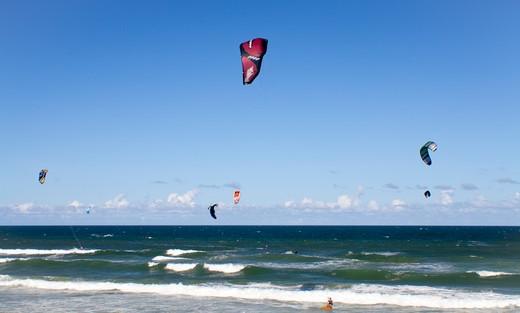 Stock Photo: 1807-314 Kitesurfers in the ocean