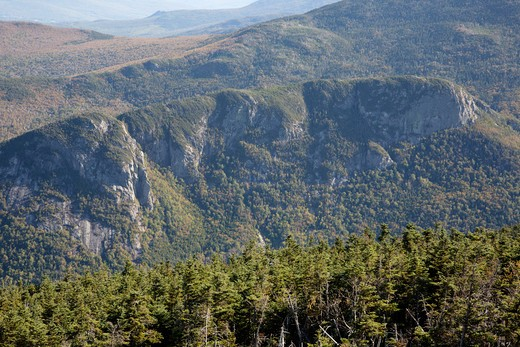 Franconia Notch State Park - Eagle Cliff from the summit of Cannon Mountain in the White Mountains, New Hampshire USA : Stock Photo