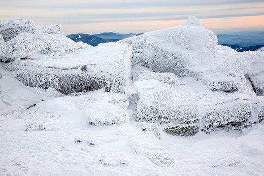 Appalachain Trail - The summit of Mount Lafayette during the winter months in the White Mountains, New Hampshire USA : Stock Photo