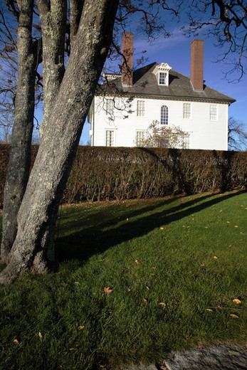 Hamilton House during the autumn months....located in South Berwick, Maine USA which is part of scenic New England....This house is a National Historic Landmark : Stock Photo