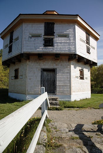 Stock Photo: 1809-4228 Fort Edgecomb - Edgecomb, Maine USA
