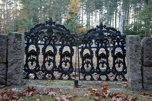 Cemetery gate during the autumn months. Located in West Epping, New Hampshire USA which is part of scenic New England : Stock Photo