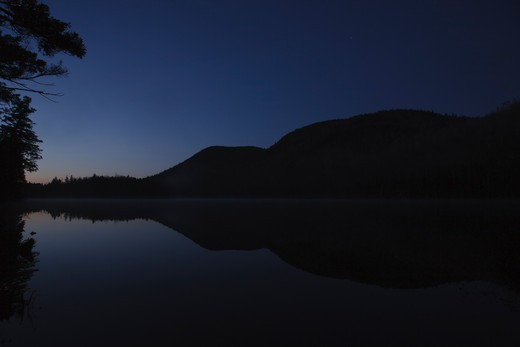 Sandwich Notch - Hall Ponds during the predawn hours in Sandwich, New Hampshire USA. : Stock Photo