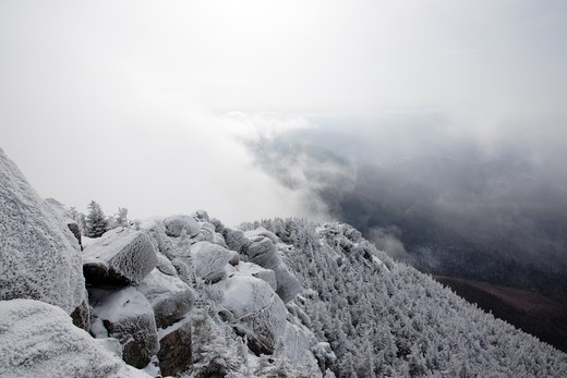 Mount Liberty in whiteout conditions during the winter months in the White Mountains, New Hampshire USA : Stock Photo