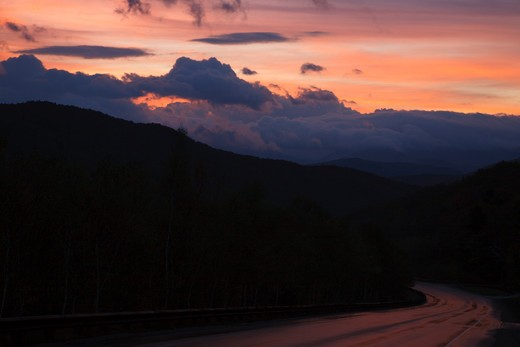 Silhouette of mountains at sunrise along Route 112 in Woodstock, New Hampshire USA : Stock Photo