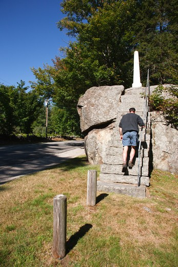 Ordination Rock. Located in Tamworth, New Hampshire USA    This is where the Rev. Parson Samuel Hidden was ordained on September 12, 1792 and became the first settled minister in Tamworth : Stock Photo