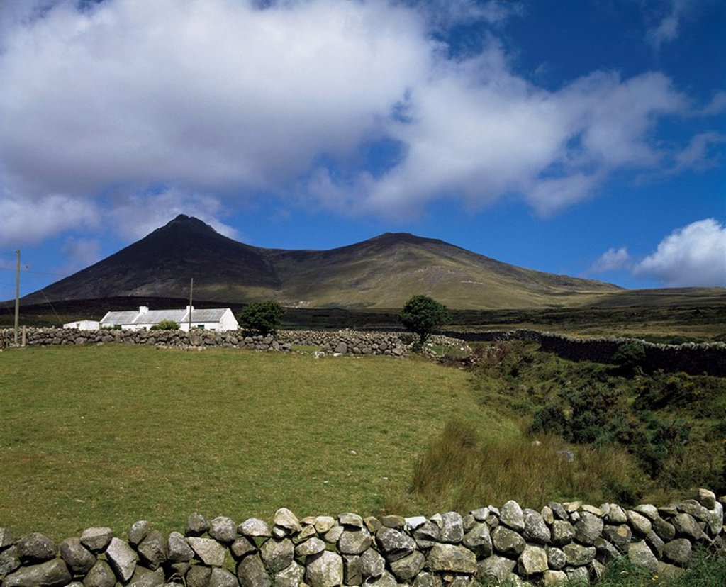 Stock Photo: 1812-10735 Mourne Mountains,Co Down,Northern Ireland,View of cottages and hills