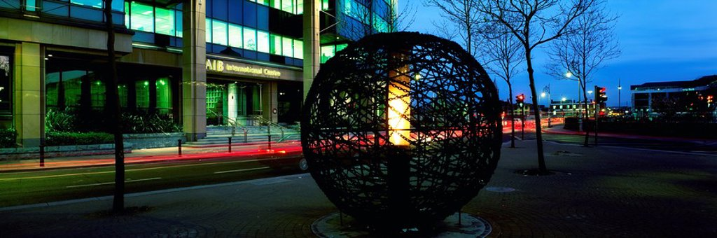 Stock Photo: 1812-11462 Dublin City, Co Dublin, Ireland, International Financial Services Centre Ifsc, Peace Sculpture