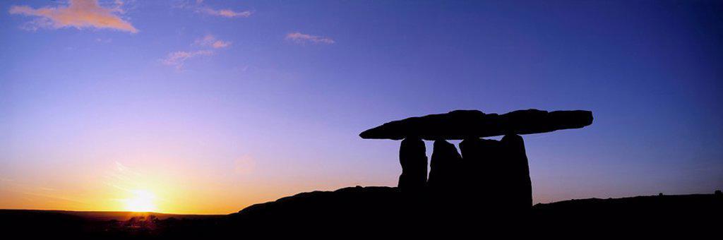 Stock Photo: 1812-12129 Poulnabrone Dolmen, The Burren, Co Clare, Ireland