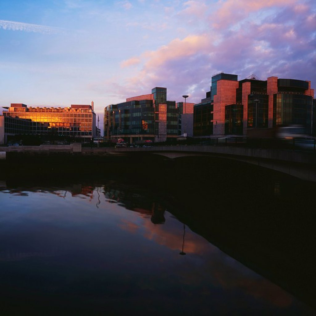 Stock Photo: 1812-12198 Dublin, Financial Services Centre, Custom House Docks
