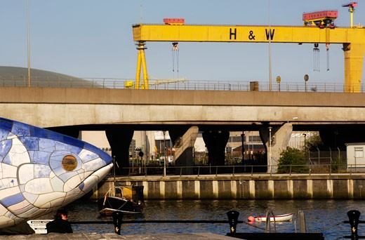 "Lagan Weir, ""The Big Fish"", Samson and Goliath cranes on the River Lagan, Laganside, Belfast, Ireland : Stock Photo"
