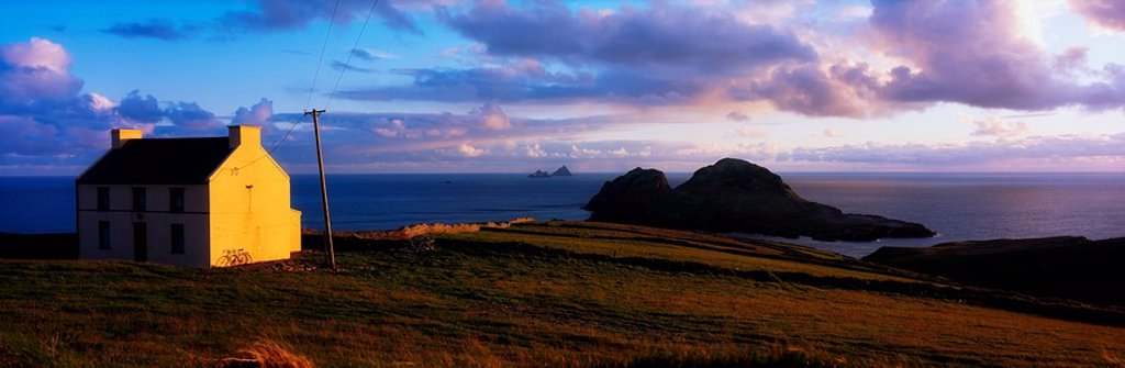 Stock Photo: 1812-12508 Skelligs And Puffin Island Ring Of Kerry, Co Kerry, Ireland