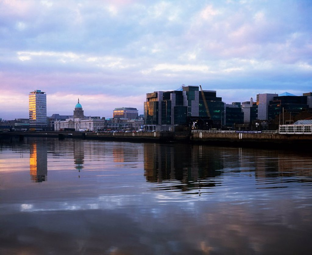Stock Photo: 1812-12586 Dublin, Financial Services Centre, Custom House Docks