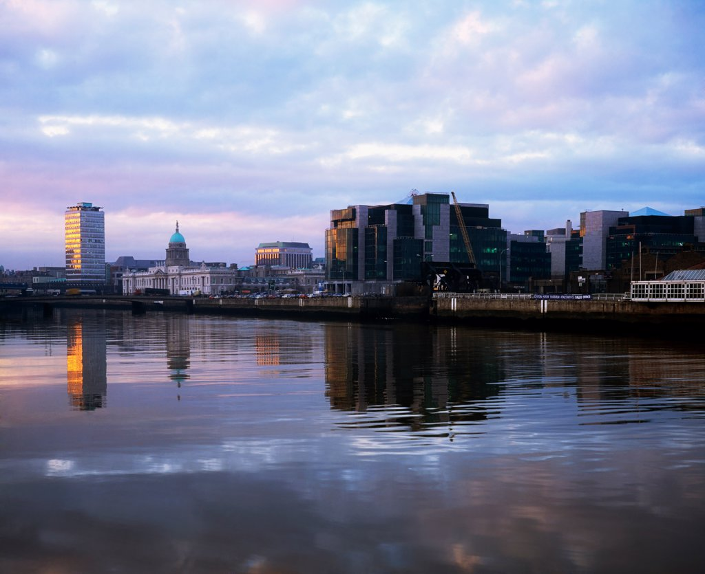 Stock Photo: 1812-16384 Dublin, Financial Services Centre, Custom House Docks
